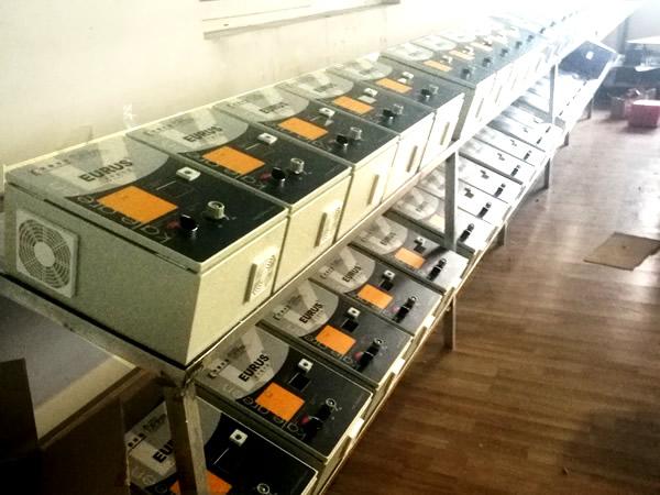 非标定制电气必威下载客户现场